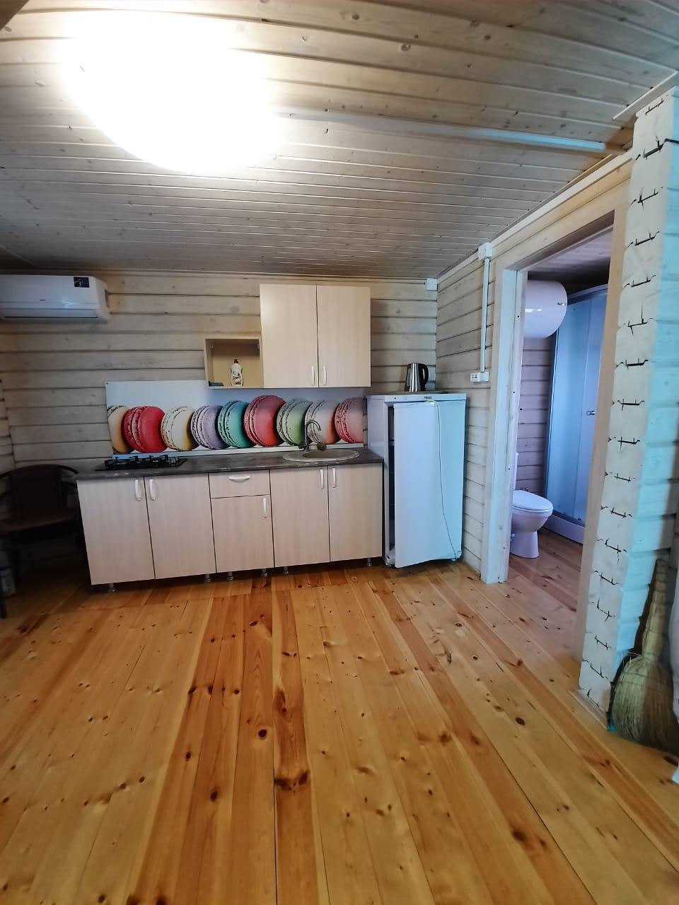 Кухня в двух этажном номере